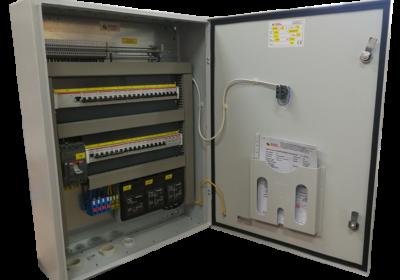 Opremanje nadžbuknog elektro razvodnog ormara RO za elektroinstalaterski obrt MDS